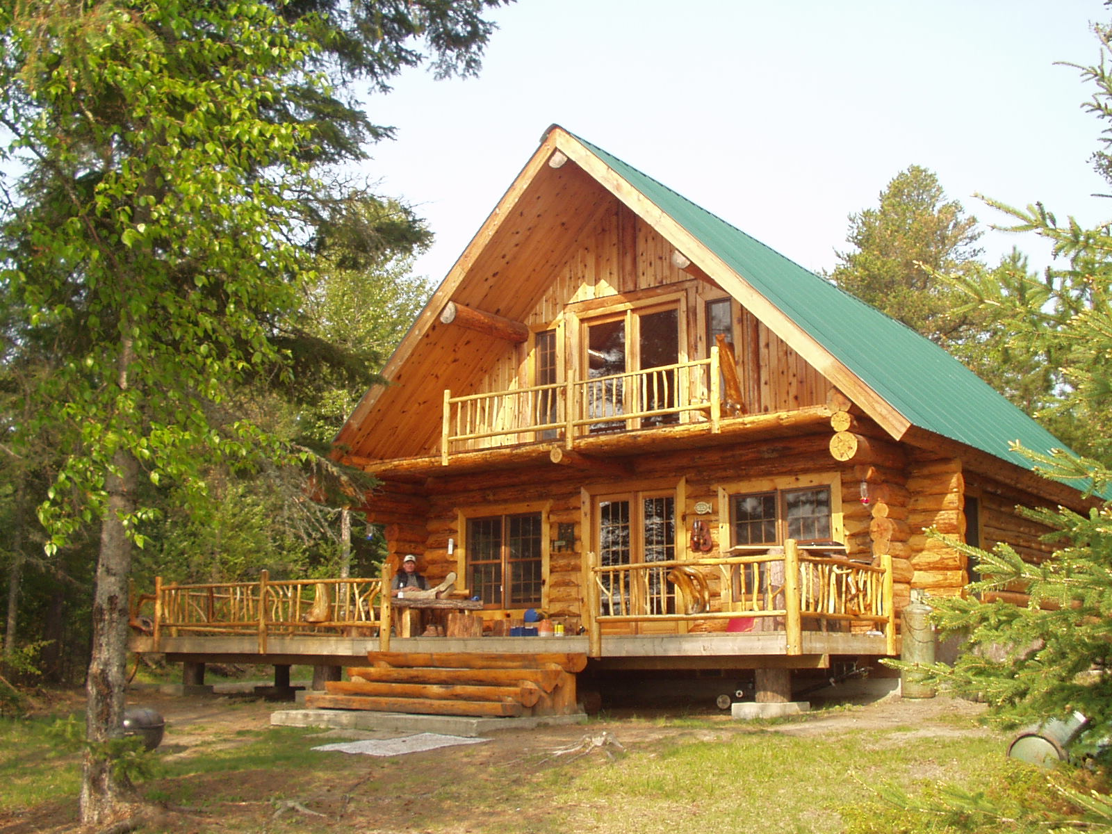 I love this log cabin the log builders for Chalet log homes